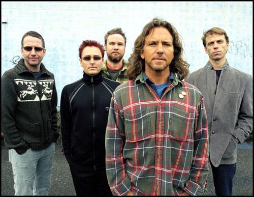 Svoj prvi album Ten so Pearl Jam ob svoji 20. obletnici delovanja že ponudili v razširjeni in masterizirani obliki, v bližnji prihodnosti pa bosta ponovni izdaji doživela tudi albuma VS in Vitalogy. Na njihovi spletni strani si omenjeno že lahko prednaročite, izbirate pa lahko med večimi različicami(Limited edicije, Live verzije, bonus komadi, posebne fotke in...