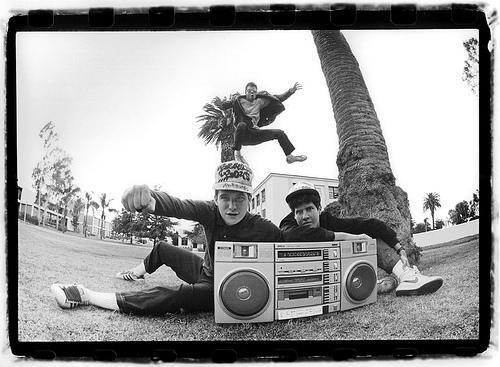 Hot Sauce Committee Part 2 je naslov novega albuma newyorških legend Beastie Boys, datum izida pa je 3. maj 2011. Album bo 'nadaljevanje' še neobjavljenega albuma Hot Sauce Committee Part 1, katerega izdaja je bila za nedoločen čas prestavljena zaradi diagnoze raka pri članu benda Adamu Yauchu aka.MCA-u. To bo osma izdaja Bistijev, nasledila bo...